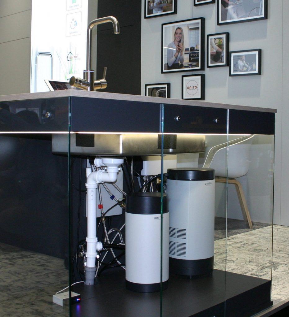 Wat komt wel en wat niet in de keuken: Unito 5-in1 kraan boilers – gezien op beurs Imm Cologne 2019