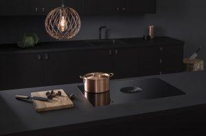 Keukenapparatuur keuze: BORA Pure All Black inductiekookplaat met kookveldafzuiging