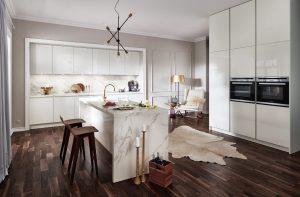 Keukenstijl: moderne keuken – Witte met marmer-look Häcker spoeleiland keuken AV 2030 GL