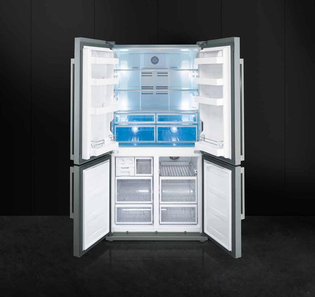 Vrijstaande Smeg koel-vriescombinatie met twee 'extra fresh' zones en 'Fresh Blue Light'