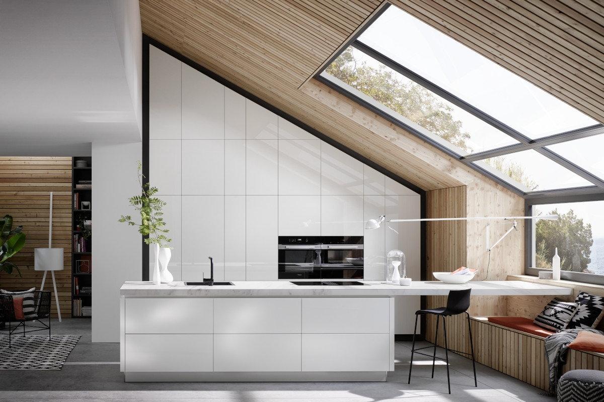 Witte kastenwand en keukeneiland met bar, marmer composiet aanrechtblad, Häcker keuken AV 2030 GL