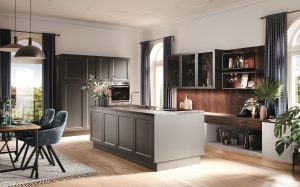 Greeploze modern klassieke keuken met paneeldeuren, Häcker keuken AV 6055 GL taupe