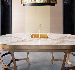 The Bone Kitchen met translucent composiet aanrechtblad, Osiris Hertman Studio, Dekker Zevenhuizen