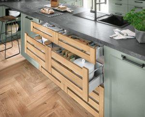 Half open houten keukenladen, Nobilia Cascada groene landelijke keuken