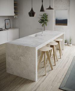 Design keuken met natuursteen composiet keukenblad en zijpanelen, Silestone Silver Lake Kitchen Loft collectie
